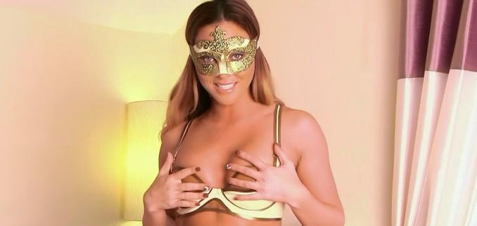 VIDEO: Venetian mask