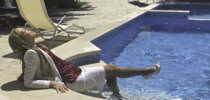 VIDEO: In the Pool with my White Suit and Pantyhose